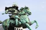 samurai-statue