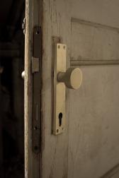 Door slightlin open